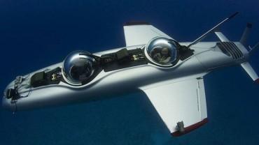 DeepFlight Super Falcon Submarine under water