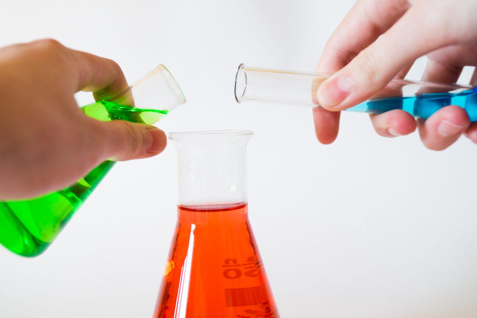 Escuela de Padres: Ideas simples para estimular el lado Científico de nuestros niños.
