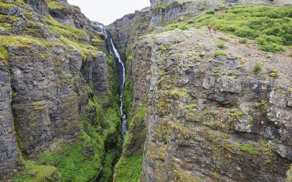 Glymur waterfall iceland0216