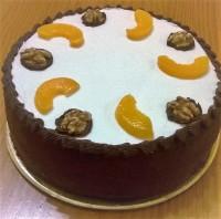 Torta de Vainilla con Dulce de Leche, Durazno y Nueces.