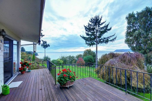 180 degree puget sound views!