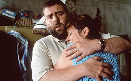 Timothy Spall and Brenda Blethyn in Secrets and Lies