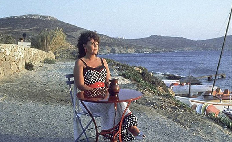 Pauline Collins in Shirley Valentine