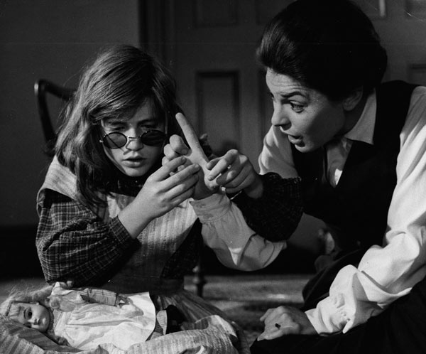 Patty Duke and Ann Bancroft in The Miracle Worker