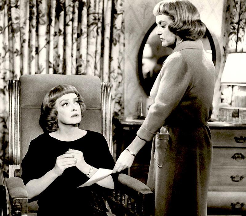 Bette Davis kills it in [em]Dead Ringer[/em]