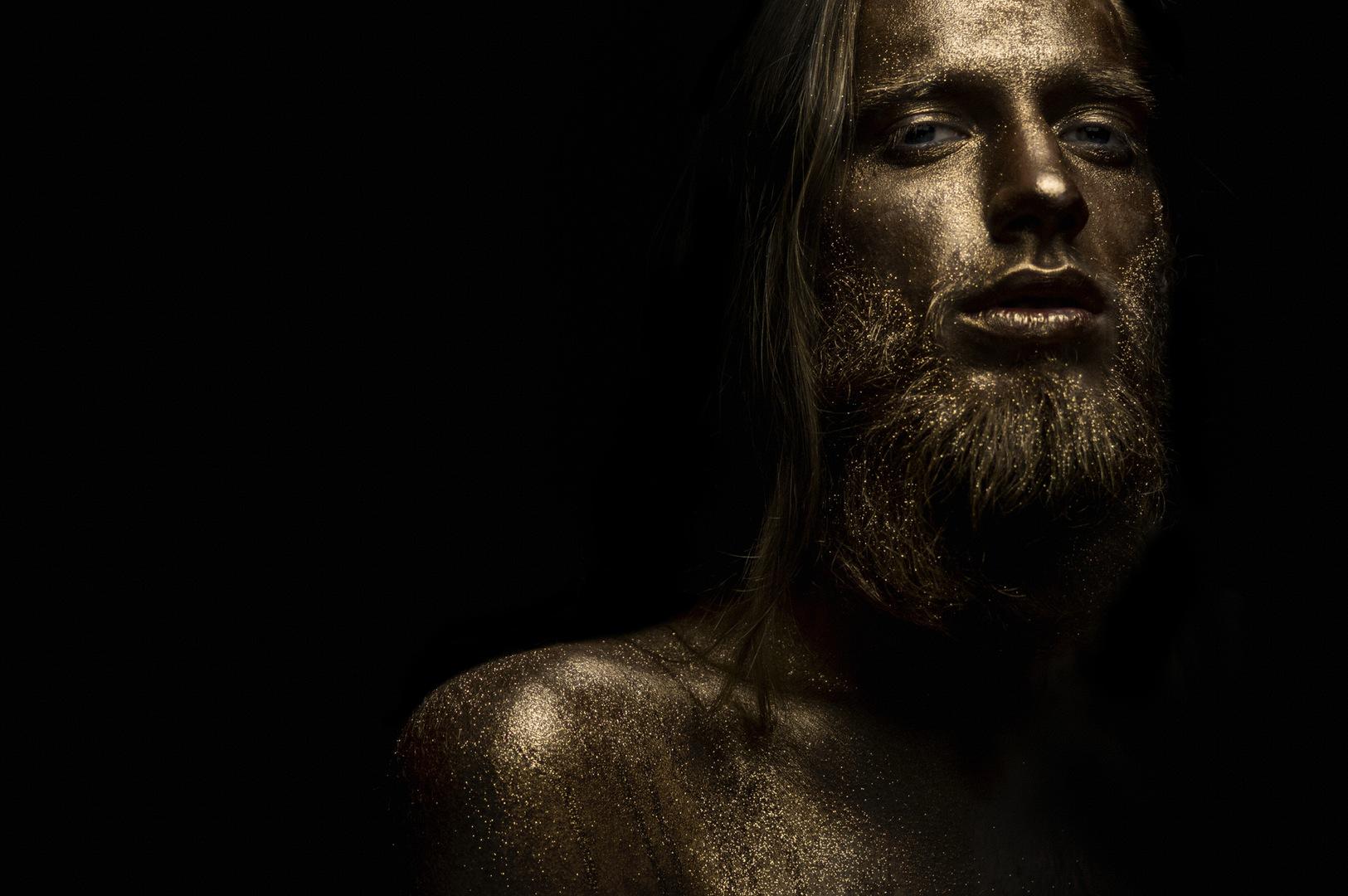 Model Bertas Ulozevičius