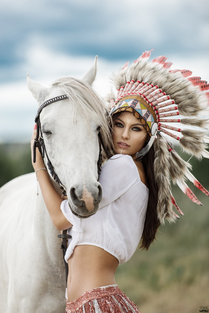 model, photographer, makeup, find, bescouted, fashion, horse, indian