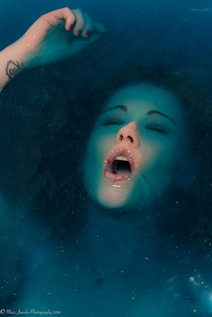 model-sadieann-coupland model-emilija-budginaite makeup color model skin eyelashes water bescouted talent