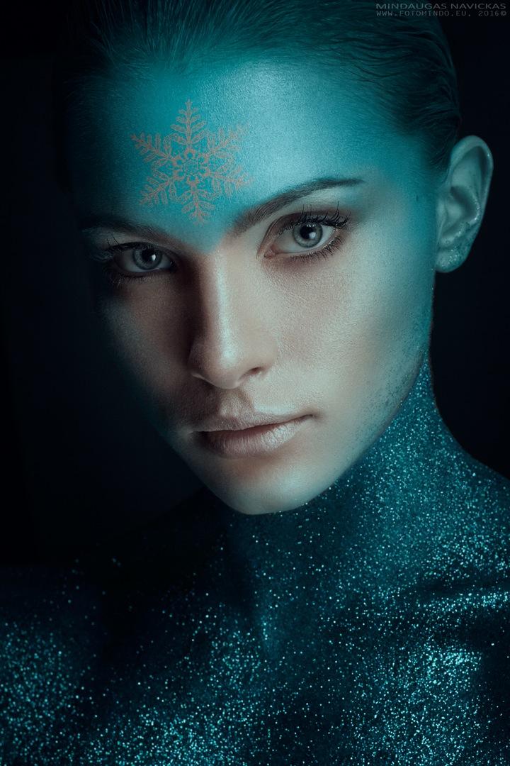 photographer-mindaugas-navickas model-emilija-budginaite makeup color model skin eyelashes studio bescouted talent