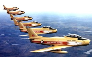 """The Royal Canadian Air Force """"Golden Hawks"""" aerobatic team will receive the Belt of Orion Award for Excellence."""
