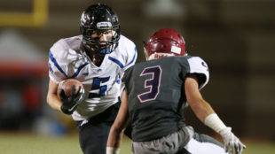Grandview Wolves shut out the Cherokee Trail Cougars 24-0 during the A-Town Game Of The Week on Thursday Sept. 29, 2016 at Legacy Stadium. Photo by Gabriel Christus/Aurora Sentinel