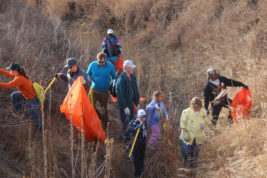 More than 300 volunteers armed with trash pickers and bags cleared more than 6.5 tons of trash March 18 over 11 miles of High Line Canal as part of an event sponsored by Aurora Water.  Courtesy photo