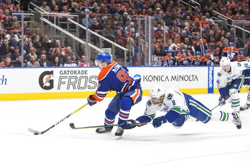 Thousands of Oilers fans to take in game 1 of National Hockey League playoffs