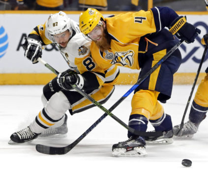 Rinne, Gaudreau power Predators past Penguins