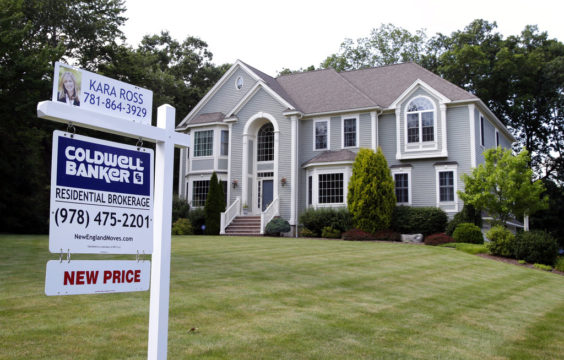 Thirty-Year Fixed Mortgage Rate Hits 2017 Low