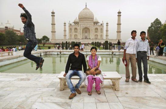 India Taj Mahal Controversy
