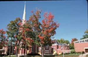 1975-09-Downtown-Collier Street United Church and Fellowship Hall on a beautiful Fall day