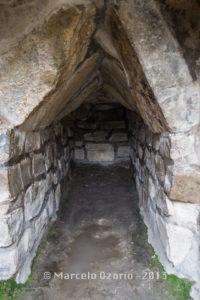 tomb-building-P-monte-alban