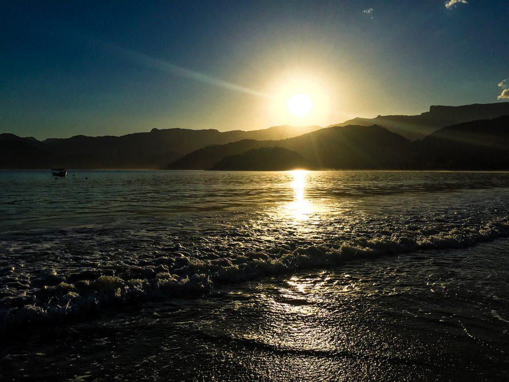 sunset ubatuba negro ozoriel 1024x768 - Cool Down at Ubatuba Tropical Beaches - Brazil