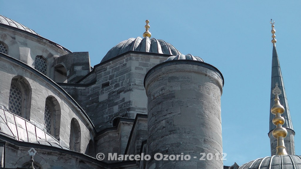 historical blue mosque istambul turkey 9 1024x576 - Feel a Sultan´s Vibe at Blue Mosque - Istanbul - Turkey