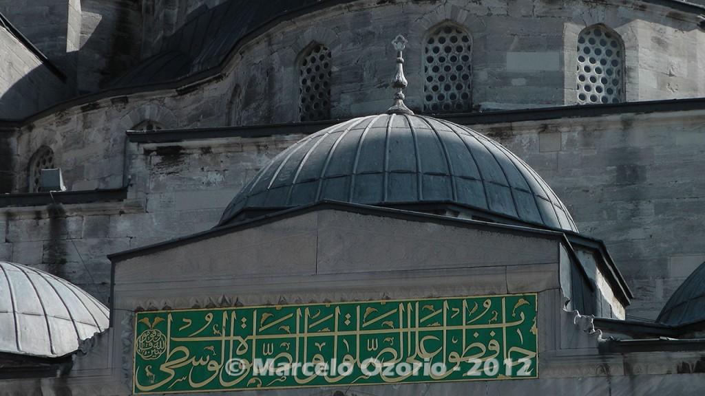 historical blue mosque istambul turkey 13 1024x576 - Feel a Sultan´s Vibe at Blue Mosque - Istanbul - Turkey