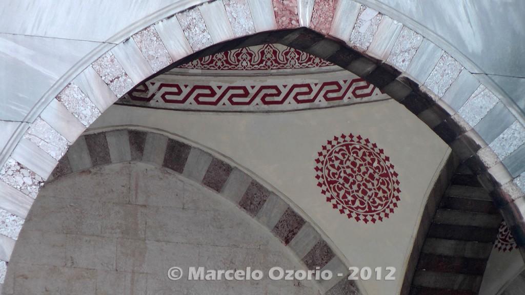 historical blue mosque istambul turkey 19 1024x576 - Feel a Sultan´s Vibe at Blue Mosque - Istanbul - Turkey