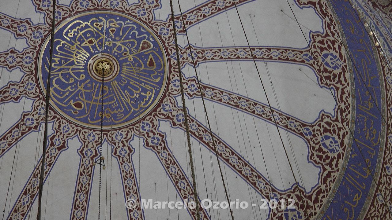 inside-historical-blue-mosque-istambul-turkey (25) inside-historical-blue-mosque-istambul-turkey (26) inside-historical-blue-mosque-istambul-turkey