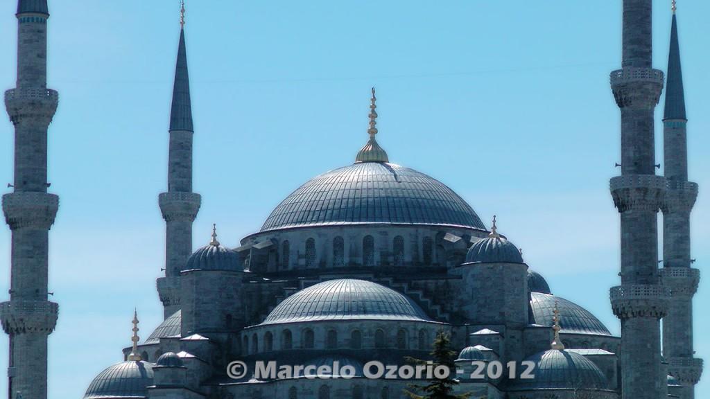 historical blue mosque istambul turkey 28 1024x576 - Feel a Sultan´s Vibe at Blue Mosque - Istanbul - Turkey
