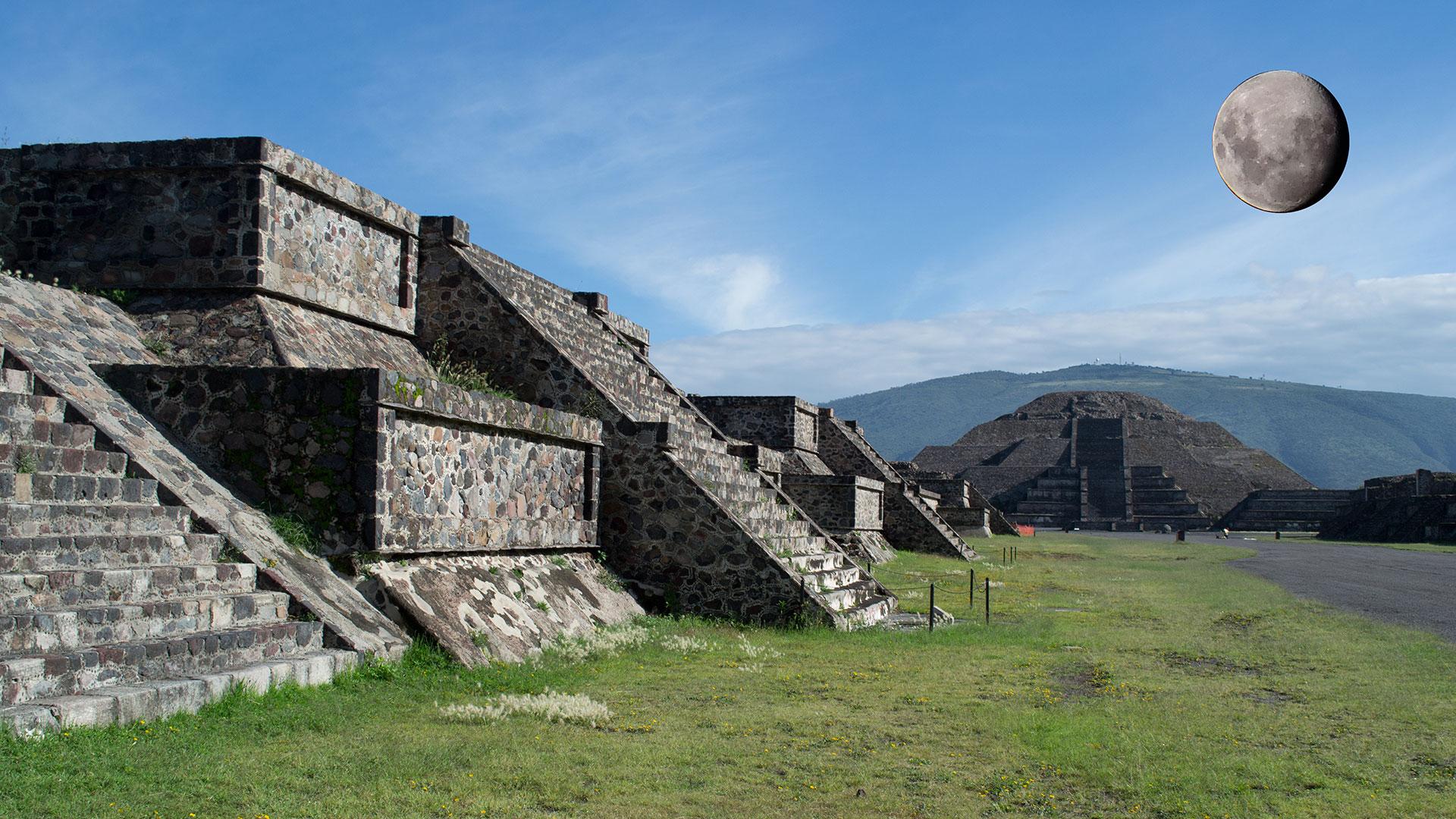 Piramides de la Luna - Teotihuacan - Mexico