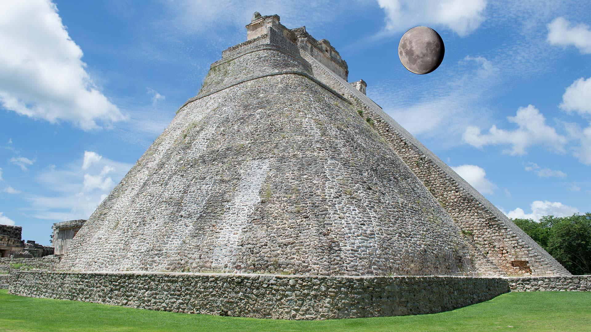 Pirâmide do Adivinho, Uxmal, Mexico