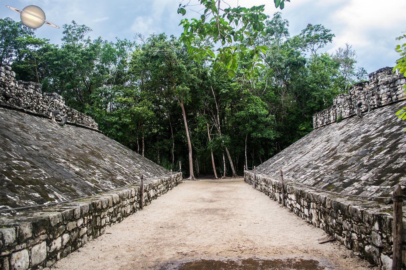 coba yucatan mexico 17 - Suba uma Pirâmide em Coba, Antiga Cidade Maia, México