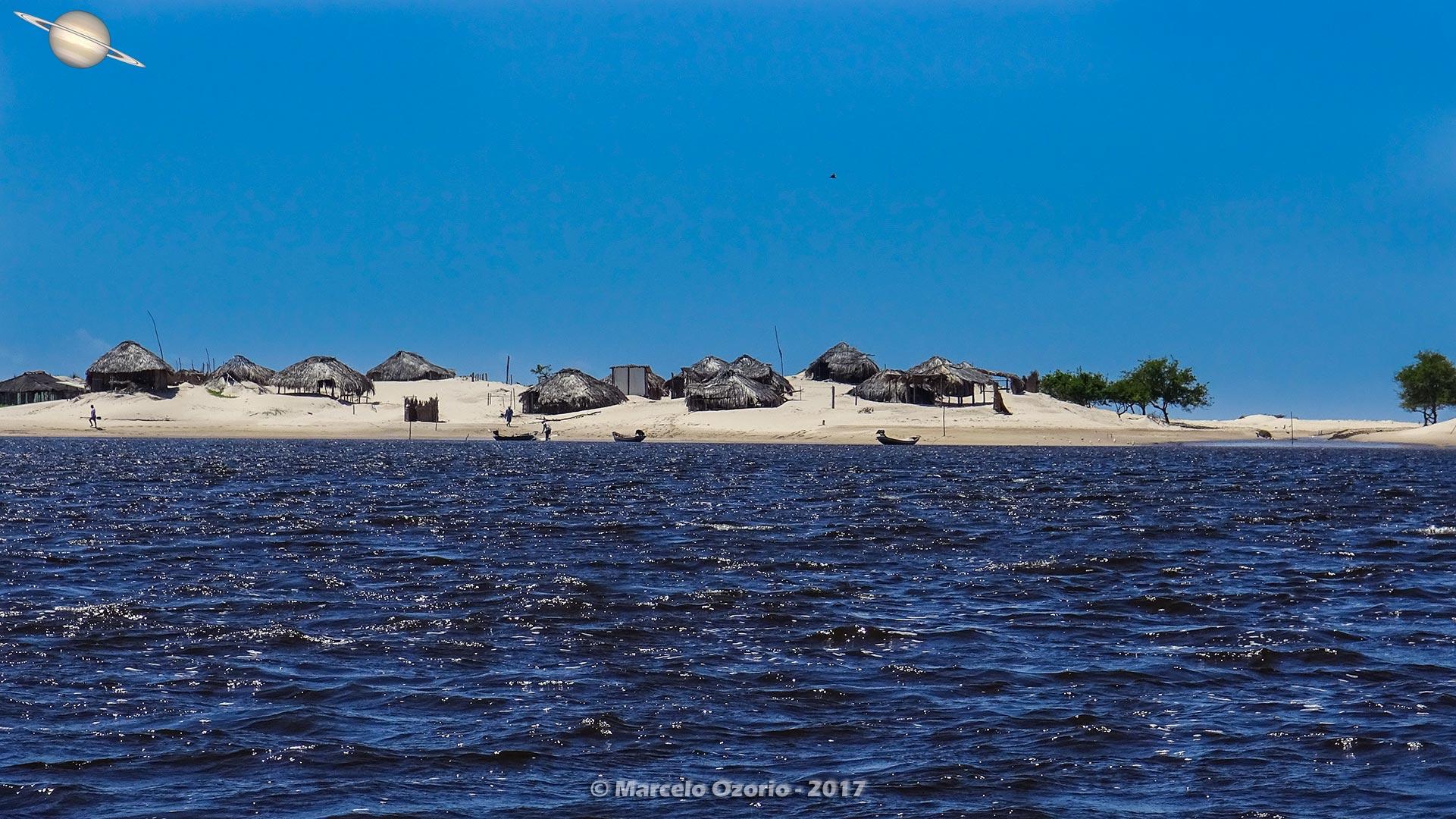 Caburé e suas Casas de Buriti