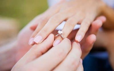 Diferenças entre anel de noivado e aliança de casamento