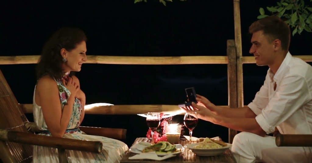 proposta durante o jantar