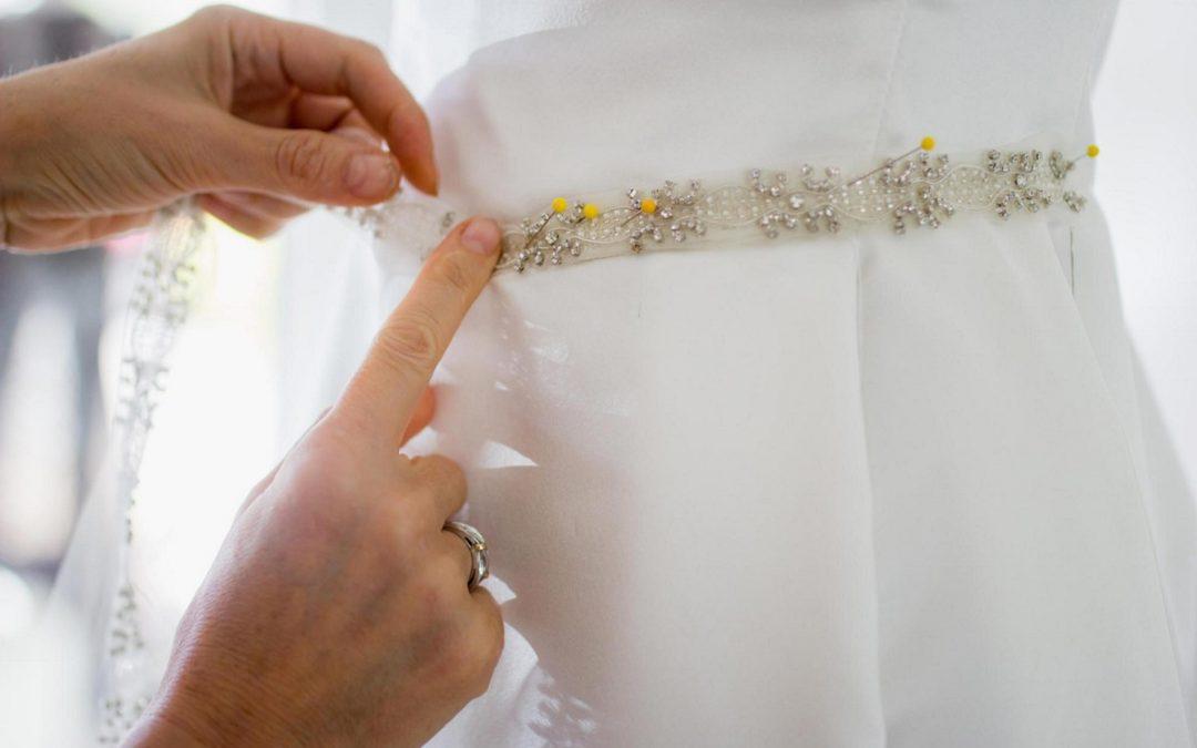 Vestidos de casamento sob medida: Vantagens e desvantagens