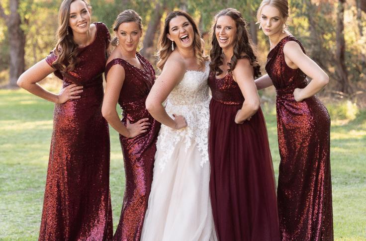 Vestidos para madrinhas da noiva na cor Marsala