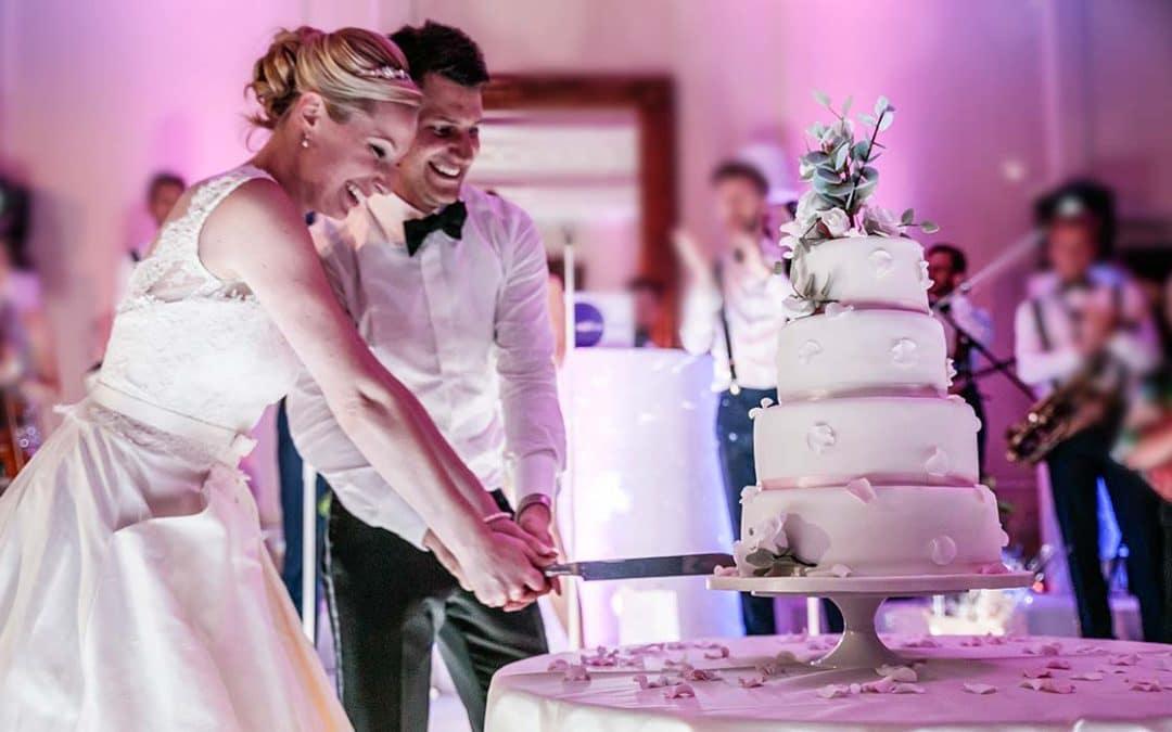 Qual a melhor hora para o corte do bolo de casamento?