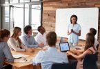 aprenda-como-desenvolver-lideranca-com-nossas-7-dicas-de-ouro.jpeg
