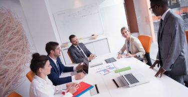 aprenda-como-usar-a-lideranca-e-motivacao-para-engajar-sua-equipe.jpeg