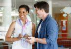 dois gestores envolvidos em cultura organizacional