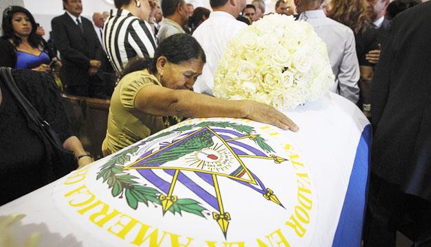 Funeral-Francisco-Flores