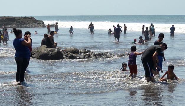 Veraneantes-La-Libertad-vacaciones-playa
