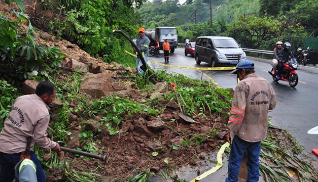 Deslizamientos-proteccion-civil-riesgos-por-lluvias