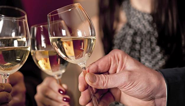 copa-alcohol-cena-fiesta