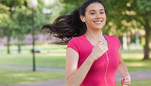 mujer corriendo ejercicio