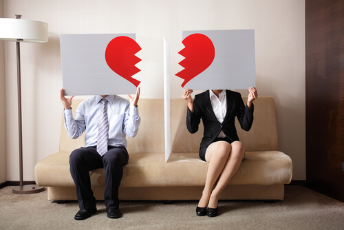 20 Signs Your Ex Girlfriend Is Not Over You Yet