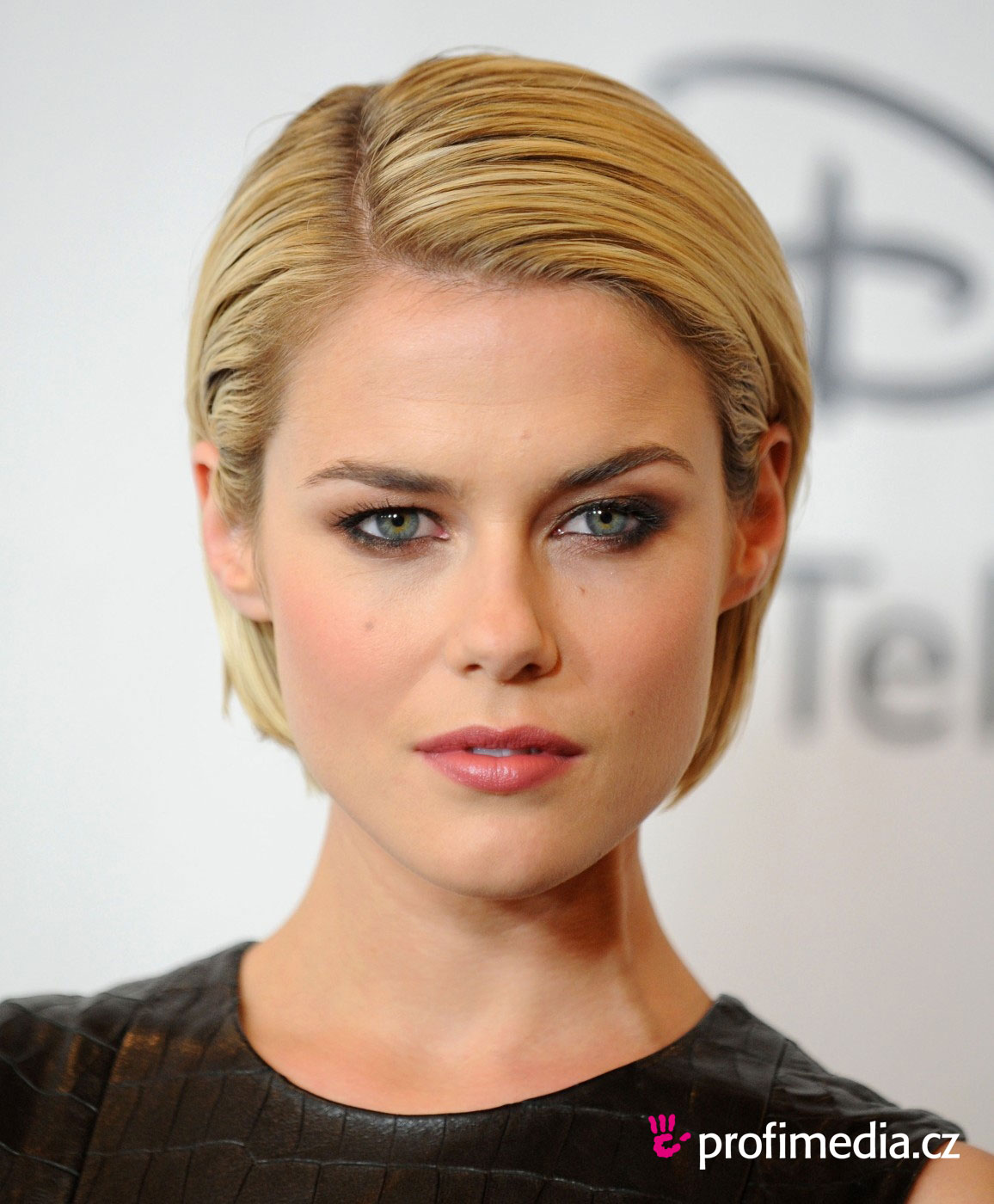 PHOTOS: Rachael Taylor's 10 Best Instagram Pics