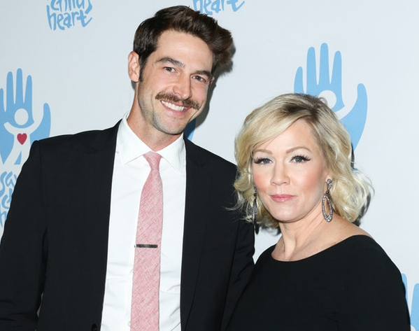 Dave Abrams Wiki: 5 Facts To Know About Jennie Garth's Husband