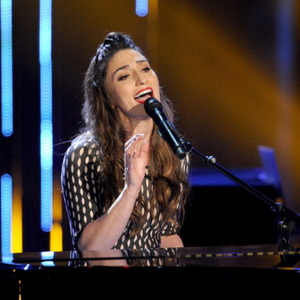 Who Is Sara Bareilles? Wiki, Net Worth, Singer-songwriter, 'Brave' & Facts To Know
