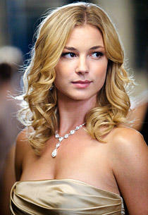 Top 10 Sexy Images Of Emily VanCamp In Bikini